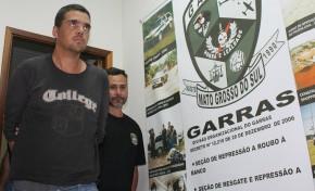 Homicida de médico e esposa é apresentado pelo Garras
