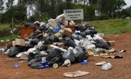 """Flagrante: JNE encontra """"montanha"""" de lixo na MS-040"""