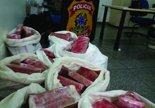 PF apreende carga de 180 kg de pasta base de cocaína na BR-463