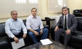 Alcides Bernal e João Rocha iniciam diálogo