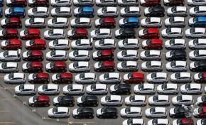 Venda de veículos no Brasil cai 25% em abril, ante 2015