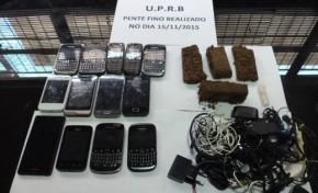 13 celulares e droga foram aprendidos em baixo de vaso sanitário