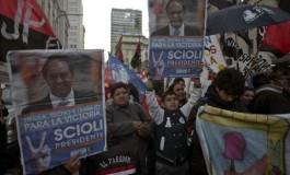 Após eleição histórica, Argentina decidirá seu presidente em segundo turno