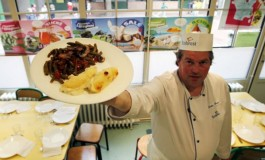 Veto a comida sem carne de porco em escolas gera polêmica na França