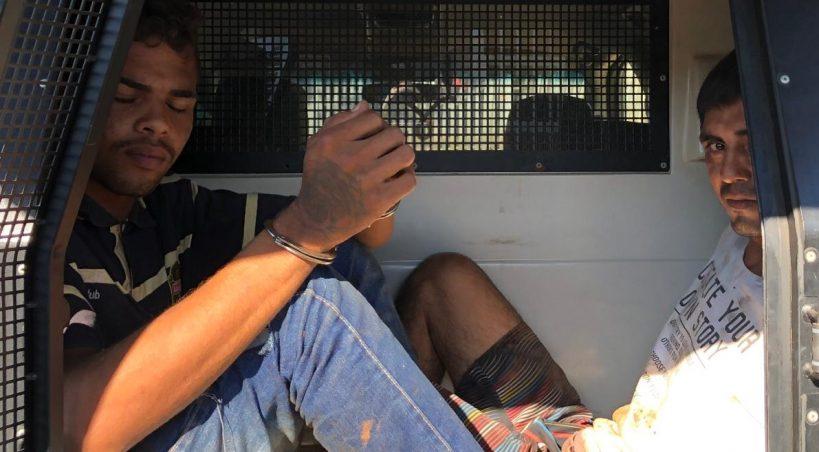Trapalhões tentam meter o louco em assalto, mas são presos pela PM em Anastácio