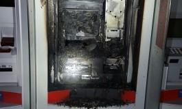 Bandidos explodem caixa eletrônico na Capital