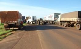 Protesto dos caminhoneiros continua na MS-134 e MS-276
