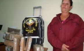 Mulher é presa com 14 kg de drogas em bagagem de ônibus