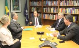 Azambuja discute renegociação da dívida do Estado em Brasília