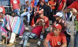 Manifestantes ocupam prédio do Governo Federal