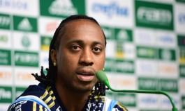 Arouca admite necessidade de evolução e fala em vencer na Vila Belmiro