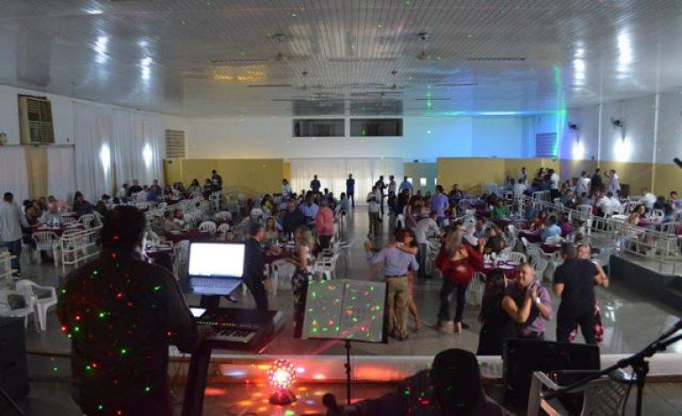 Batalhão Carlos Camisão realiza baile em referência ao Dia da Arma de Engenharia