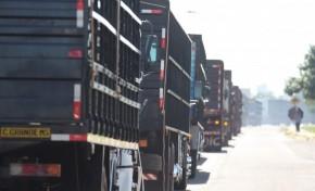 Protesto de caminhoneiros diminui nas estradas após aumento de multa