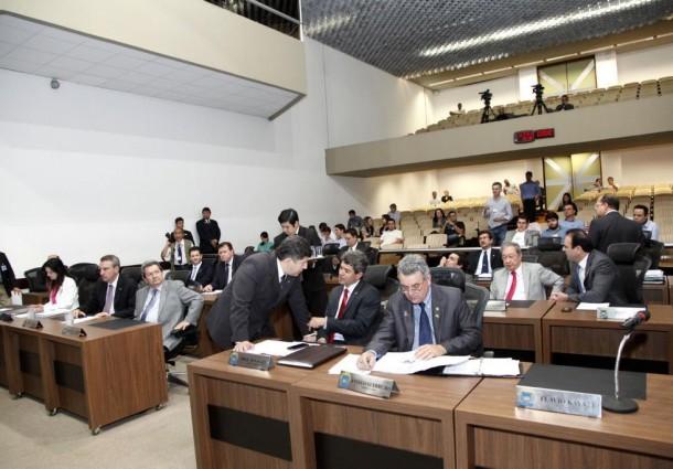 Assembleia declara ponto facultativo para o próximo dia 30
