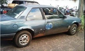 Adolescentes furtam veículo, quase matam pessoas durante fuga, mas são apanhados pela PM