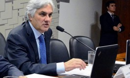 Polícia Federal permanece na casa do senador Delcídio