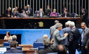 Comissão aprova PEC que prevê fim das coligações eleitorais