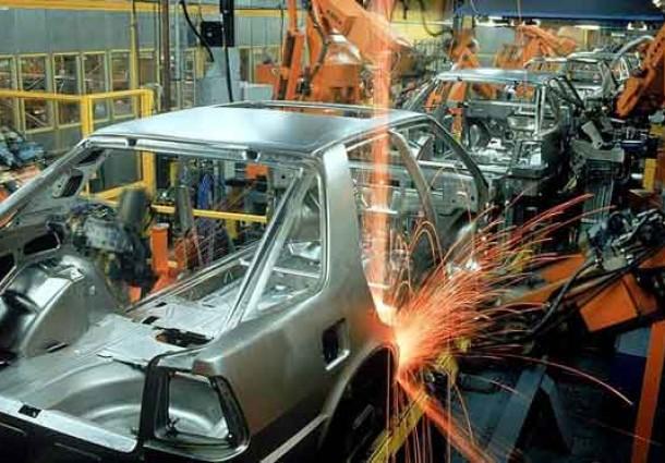 Emprego na indústria cai 0,8% em agosto, oitavo resultado negativo seguido