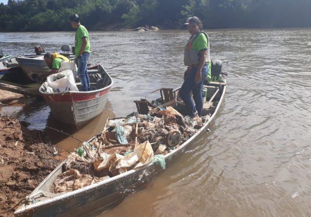 Mutirão retira mais de duas toneladas de lixo dos rios Aquidauana e Taquarussu