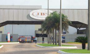Funcionários da JBS passam mal após vazamento de amônia; 2º caso do dia