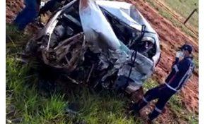 Condutor de carro roubado invade pista contrária e mata mãe e filha em rodovia