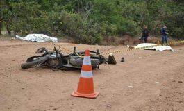 Dupla de moto morre após colidir com caminhonete na MS-419
