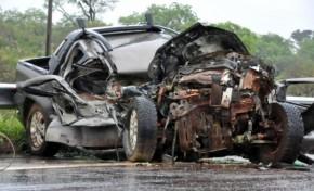Chuva causa acidente e mata duas pessoas na BR-267