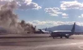 Aeronave pega fogo com 157 passageiros a bordo