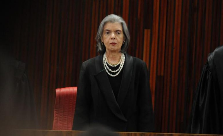 Segunda mulher a presidir STF, Cármen Lúcia encerra seu mandato