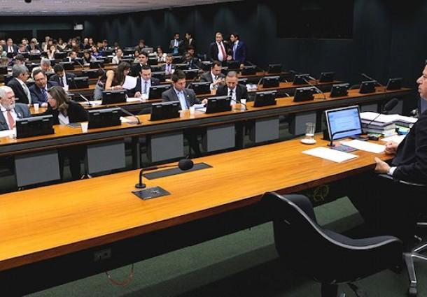 Câmara Federal aprova regras para indenização de terras indígenas