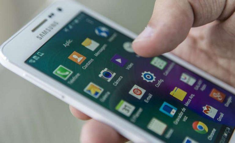Projeto obriga fabricantes a avisar sobre riscos do celular à saúde