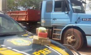 Motorista é abordado pela PRF, fica nervoso e 'entrega' 6,8 kg de cocaína em Miranda