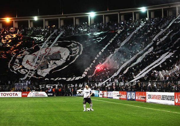 Corinthians volta a se isolar na liderança do Brasileirão