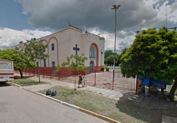 Jovem é encontrado morto pendurado em grade de igreja de Corumbá