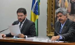 Deputados aprovam relatório final da CPI da Petrobras