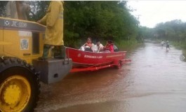 Mulher dá à luz em meio a enchente no Rio Grande do Sul