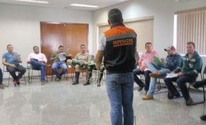 Coordenador geral da Defesa Civil Estadual ministra curso para membros das coordenadorias de MS