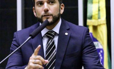 Deputado Federal do RJ protocola projeto 'lei Neymar da Penha'