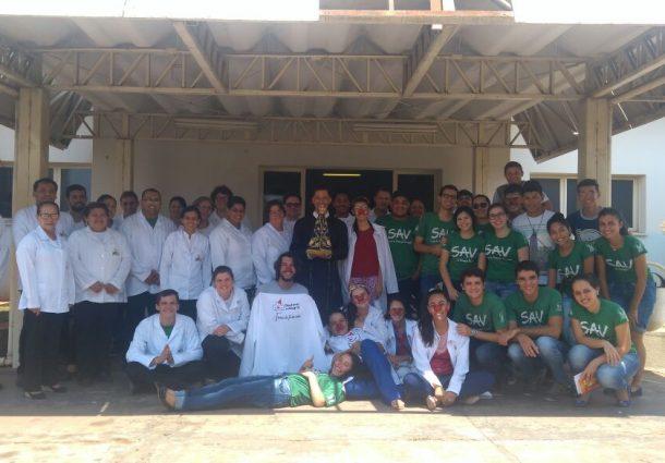 No Dia das Crianças, hospital de Aquidauana recebe visita dos doutores da alegria