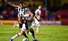 Santos supera tempestade e vence o São Paulo com boa vantagem na semi