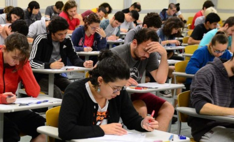 Estudantes do Fies terão até 18 meses para quitar dívida com Instituições de Ensino