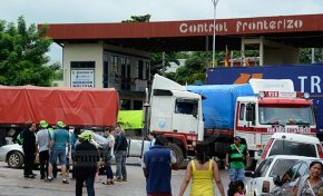Bolivianos fecham fronteira em protesto ao Código Penal