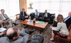 Governador cobra repasse atrasado de R$ 54 milhões em Brasília