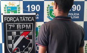Jovem é preso pela Força Tática ao ser flagrado com moto sem placa em Aquidauana