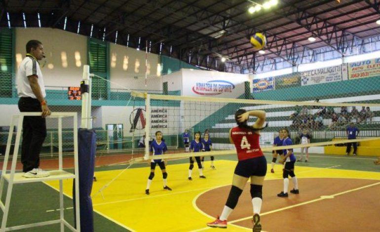 Meninas de Aquidauana, Ivinhema, Jardim e Paranaíba estão nas semifinais do vôlei