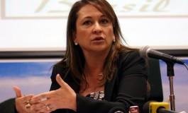 """Anvisa não pode """"resistir a se tornar eficiente"""", diz Katia Abreu"""