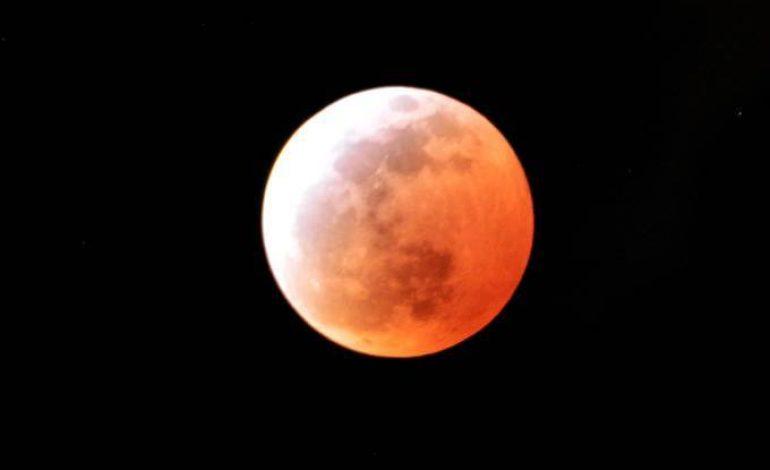 'Lua de Sangue': Maior eclipse lunar do século poderá ser visto do Brasil