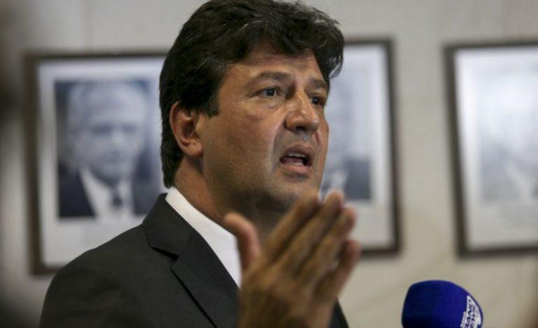 Ministro diz que aviões do Ministério da Saúde eram usados para tráfico de drogas