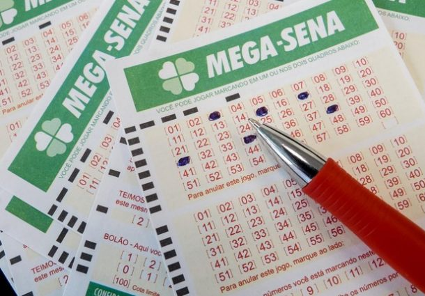 Mega-Sena acumula e vai sortear prêmio de R$ 71 milhões