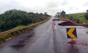 Polícia Militar Rodoviária proíbe tráfego de veículos pesados na MS-141